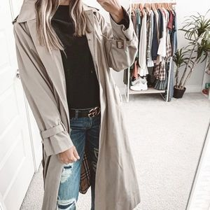 Burberry Belted Trench Coat in Khaki Beige